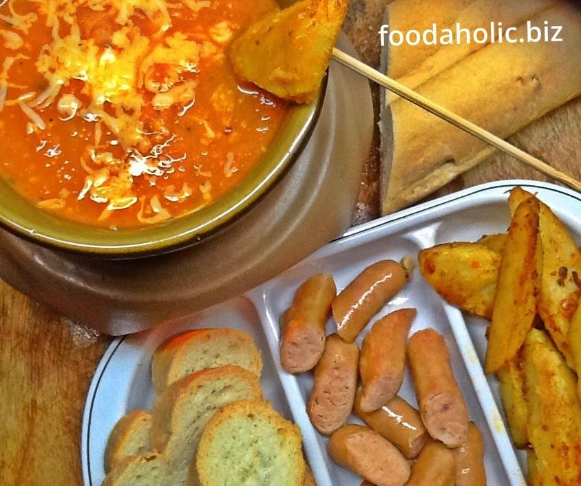 Tomato Chilli Cheese Fondue