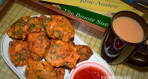 Chicken Pakoras, Spicy Chicken Fritters