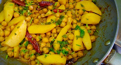 Channa Aloo Curry, Trini Style Chickpea Potatoes