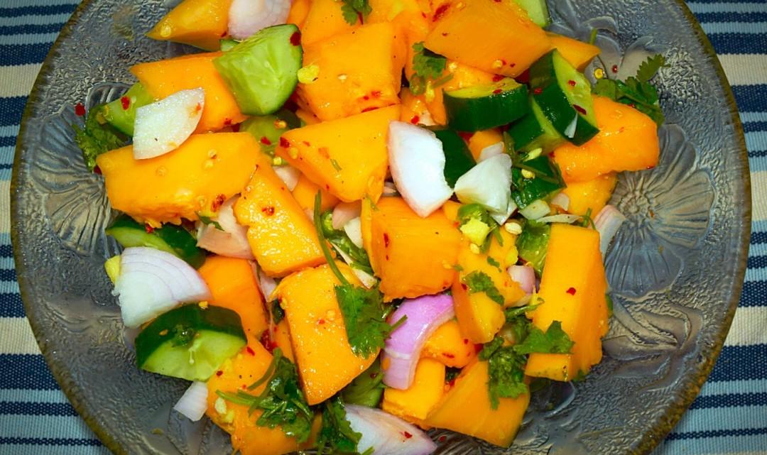 spicy ripe papaya salad