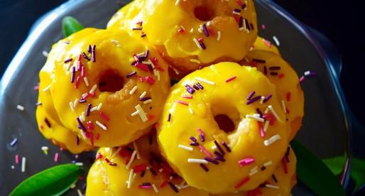 Mini Lemon Donut Cakes