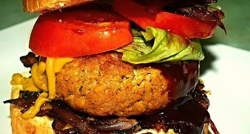 Mac n Cheese Stuffed Burger