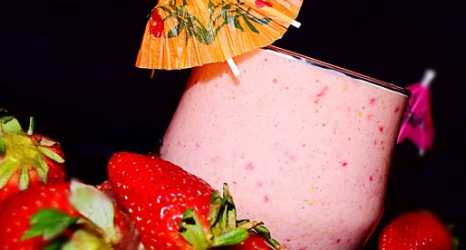 Orange Strawberry Oatmeal Smoothie
