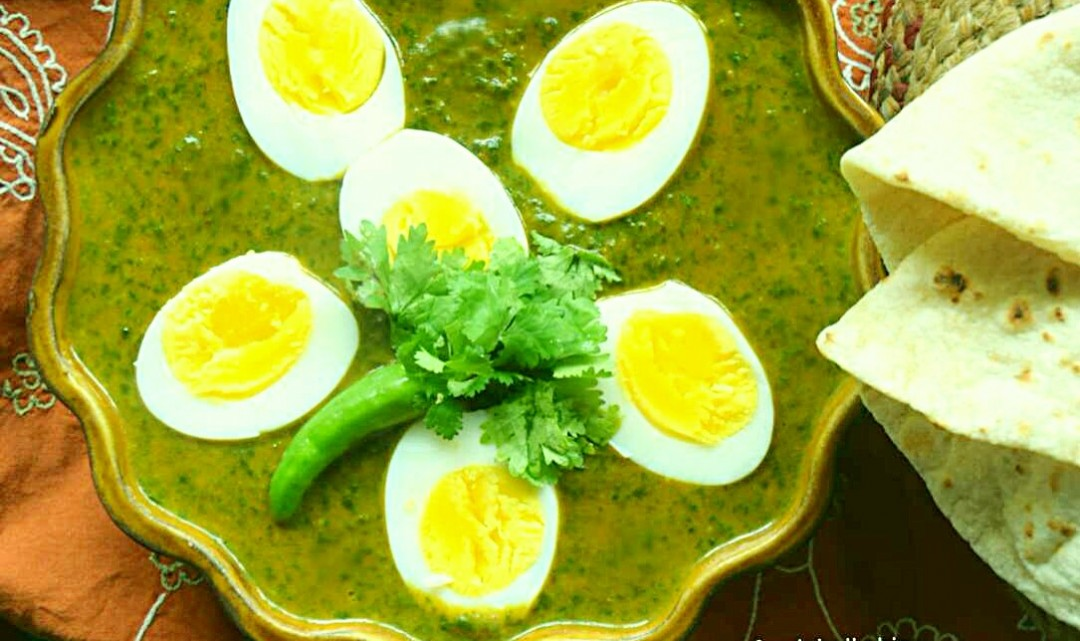 Anda Palak Curry, Eggs with Spinach