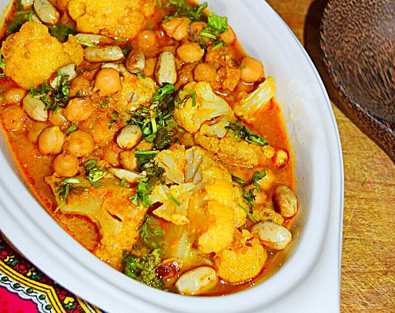Gobi Channa, Cauliflower and Chickpea Curry Recipe