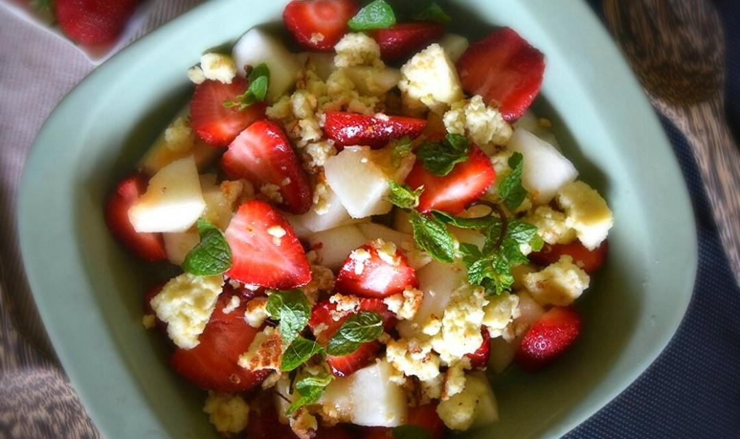 Strawberry & Melon Fruit Salad Recipe