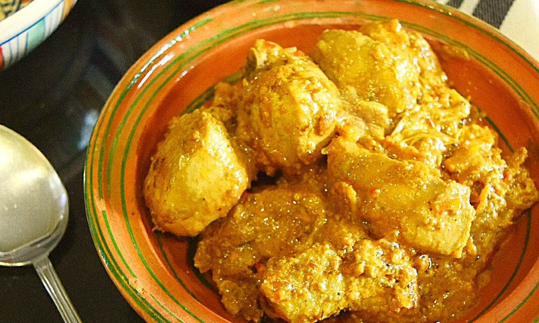 Dhwan Dahi Gosht, Smoked Chicken Curry
